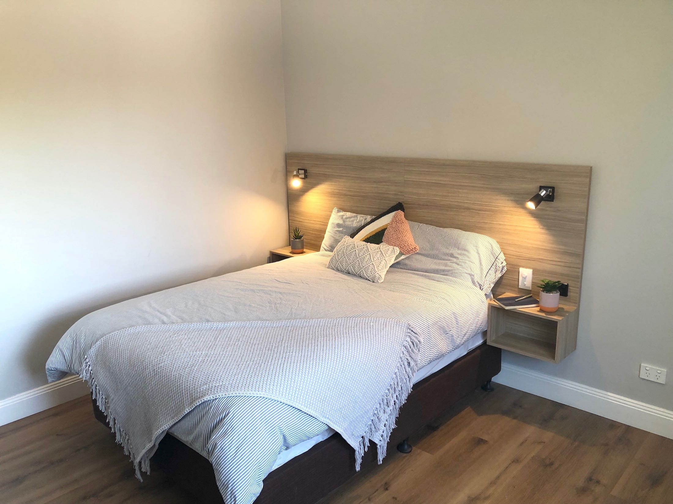 carnarvon-lodge-kirribilli-sydney-accommodation-double-room
