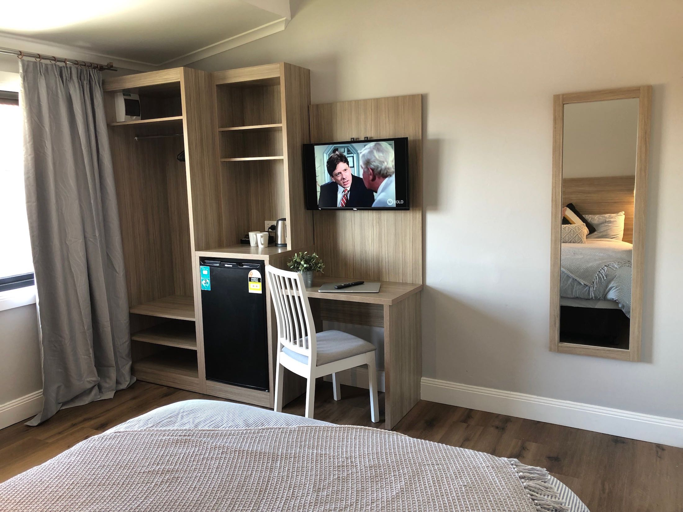 carnarvon-lodge-kirribilli-sydney-accommodation-double-room14