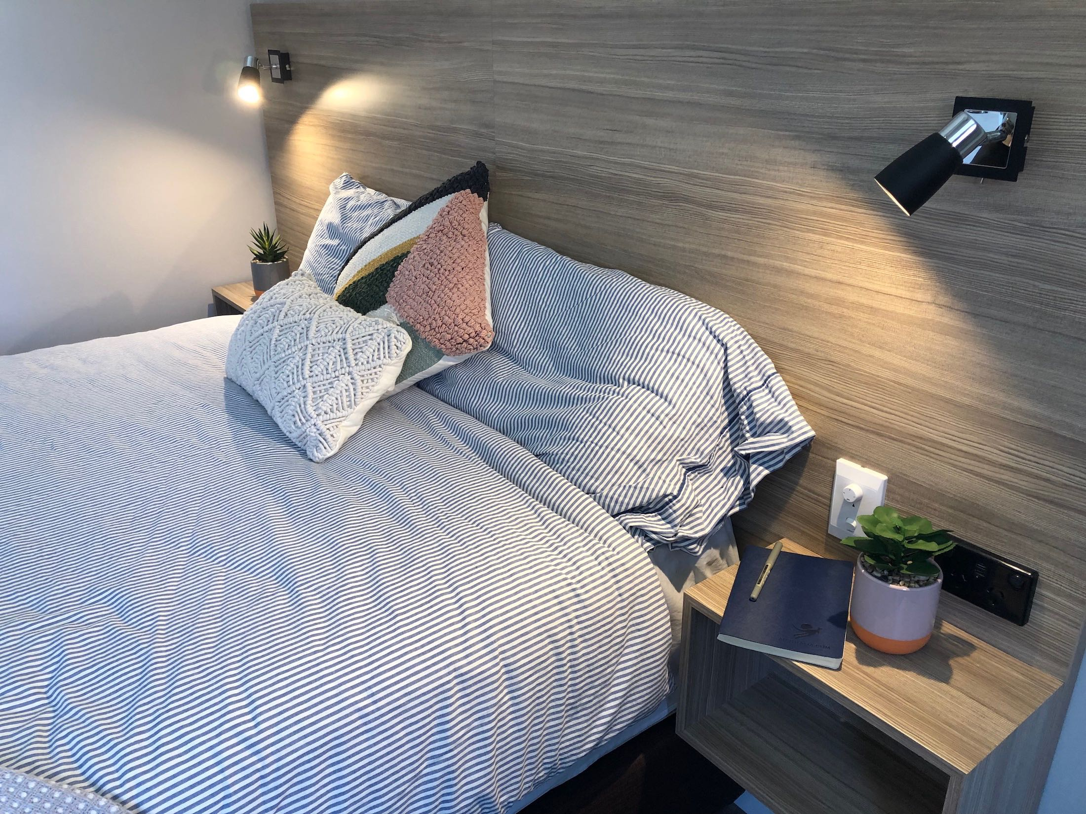 carnarvon-lodge-kirribilli-sydney-accommodation-double-room17