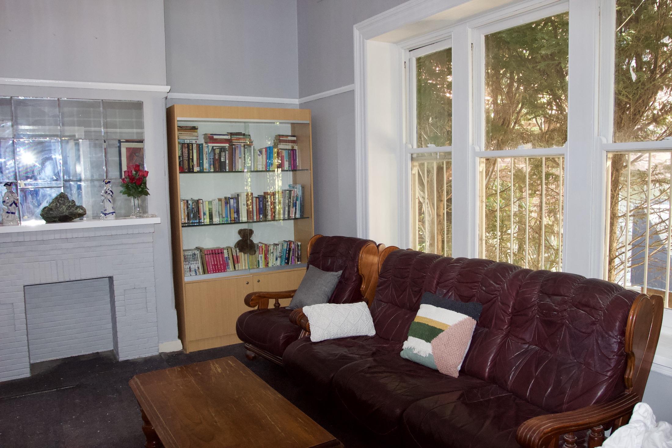 carnarvon-lodge-kirrribilli-affordable-sydney-accommodation-guest-lounge